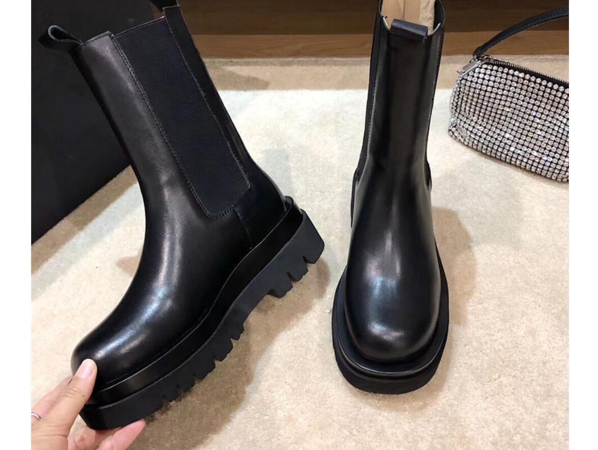 2020 brandneue stark alleinige Stiefel Frauen-runder Zehe-Plattform Winter kurze Stiefel lila transparente Sohle Cowboy Stiefeletten