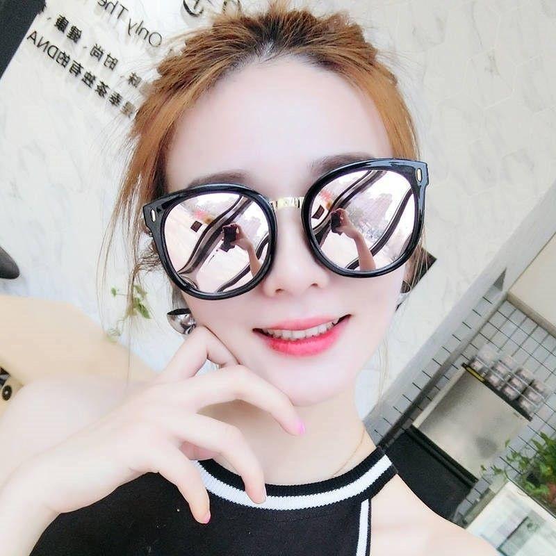 El montar bellos cristales hembra gafas de sol rojas netos gran espejo cara de la playa pequeña fragancia chica corazón marrón suave elegante