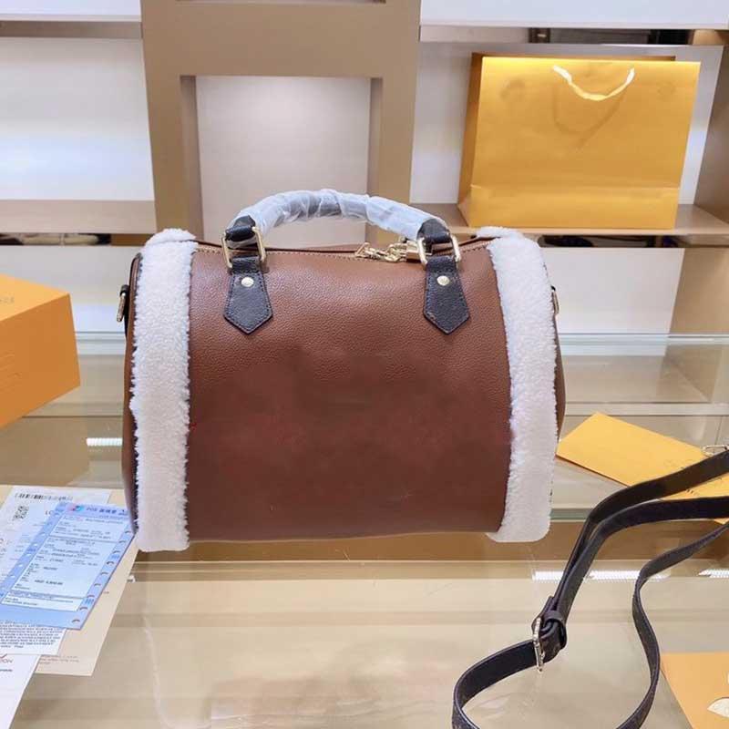 Sacos de travesseiro de cabelo do cordeiro das mulheres enviando o saco de qualidade do ombro livre 30cm mão crossbody high fxlww