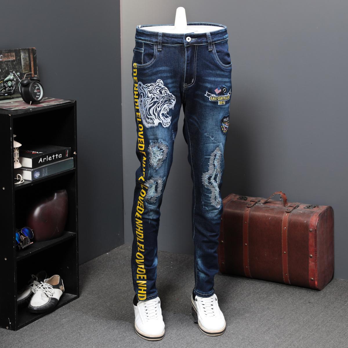 Bolhos de Outono Furos Jeans Masculino Elastic Tiger Head Lazer Tempo de Lazer Marca Designer Jeans Calças Longas Calças de Impressão de Bordado Té 201177