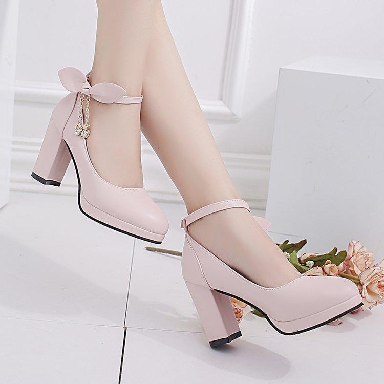 Classic Fashion Women Shoes Tacones altos Dama Sexy Glitter Cadena PU PU Bombas de moda Sacaciopresa Femenino Boda Nupcial Rosa Zapatos de Seda