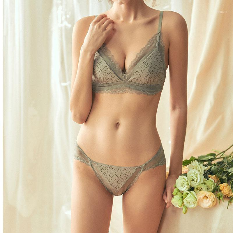 New Triangle Cup Underwear Set Sexy Lace Wave Deep V Push Up Bras Wire Free Bra Set Europe Women Cotton Dot Lingerie Panties1