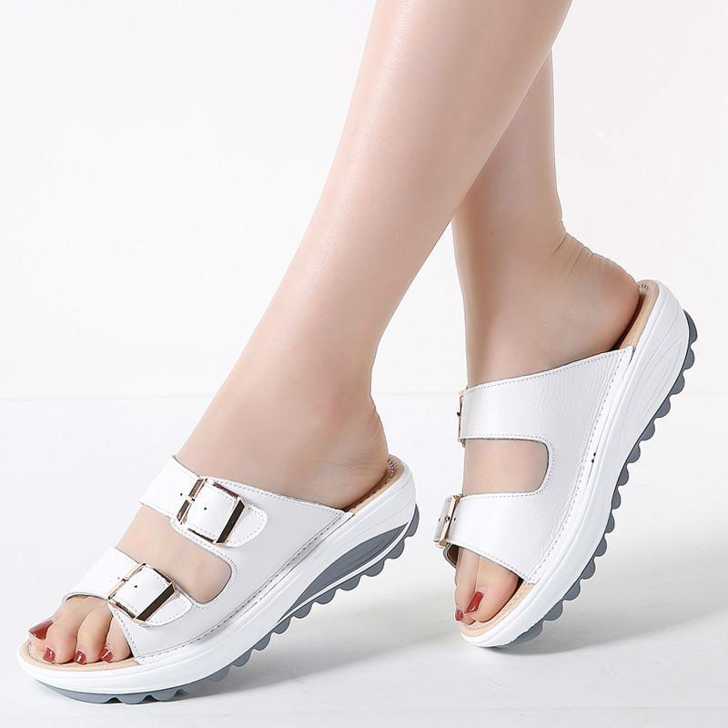 Padegao Женщины тапочки пряжки настоящие кожаные скольжения туфли сплошные толстые подошвы каблуки пляжные сандалии снаружи шлепанцы лето PDG3961
