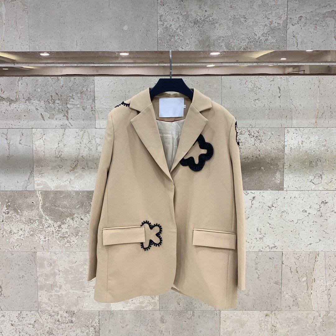 خريف وشتاء جديد البيج كم طويل نمط سترة أزياء ذات جودة عالية دعوى دثار المالية