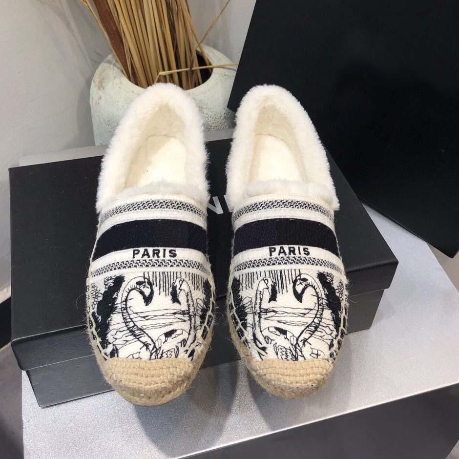Mode Paris Womenssnow Stiefel Schöne Scuffs Schuhe Sommer-Strand-Slides Mädchen Stiefel Damen Flip Flops Loafers Sexy Beste gestickte Schuhe