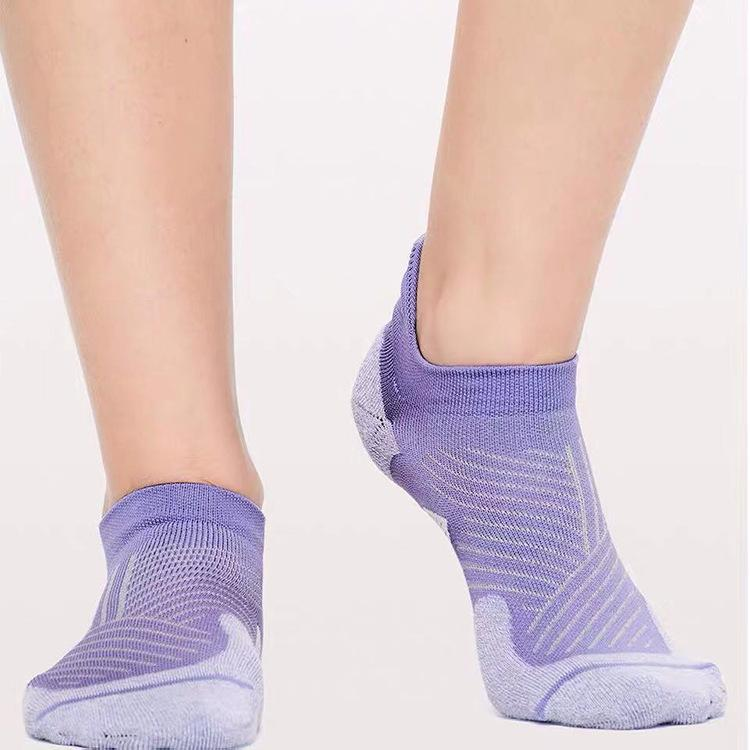 الجوارب الرياضية النساء الكاحل الأزياء اليوغا تنفس خياطة شبكة مزيل العرق اللياقة البدنية تشغيل منشفة أسفل