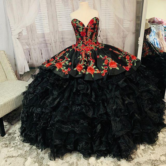 2021 Sexy Black 3D Floral Flowers Ball Gown Quinceanera Prom dresses Real Photo Ruffles Satin Evening Formal Gowns Sweet 16 Vestidos De