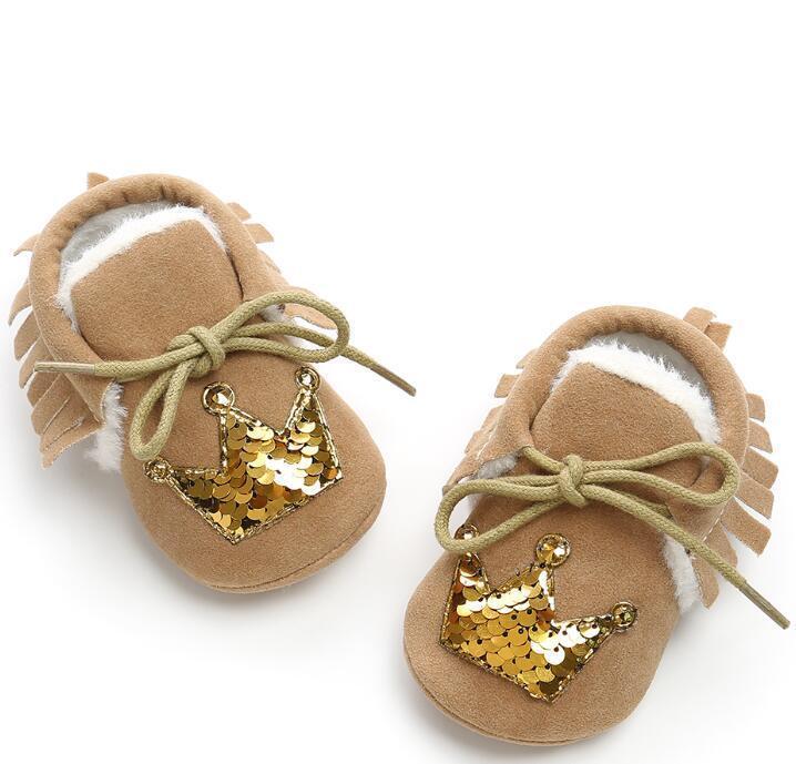 Newborn delle ragazze dei neonati scarpe in pelle scamosciata PU di Natale Corona frangia morbida Soled antiscivolo Calzature pattini della greppia Bling stivali
