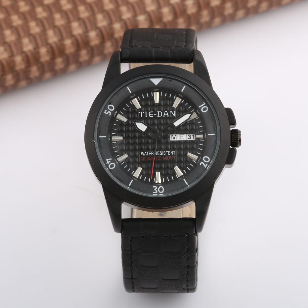 Designer Tiedan Mode Gürteluhr Wasserdichte Edelstahl Rundzeiger Japanische und koreanische Armbanduhr
