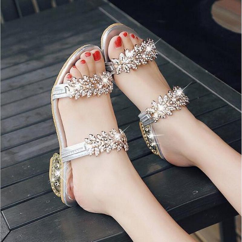 2020 HOT بيع جديد يطرح الغنم الأحذية الجلدية حقيقية الصنادل المرأة مع الكريستال للنساء الصيف الشقق النعال يورو حجم 34-41
