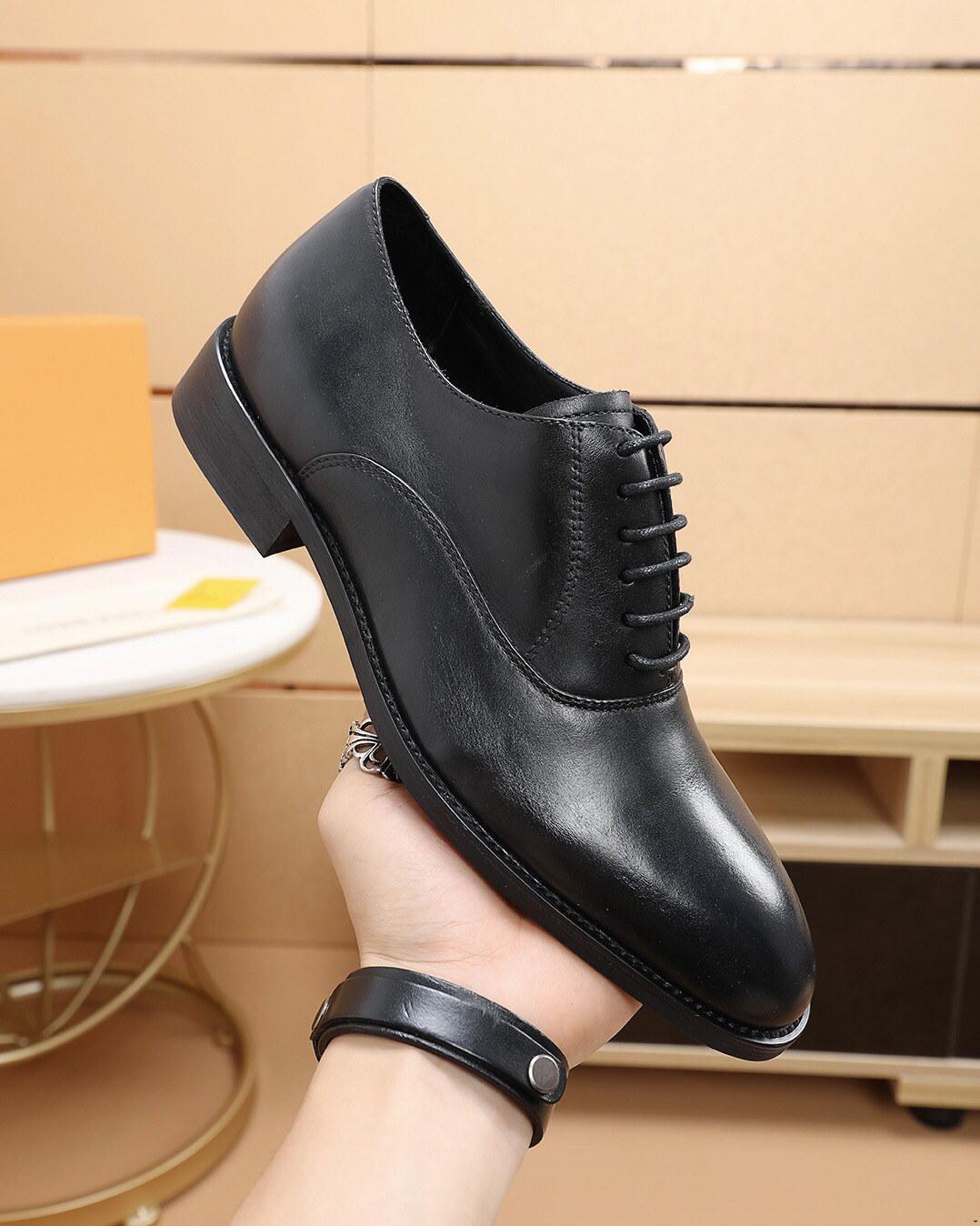 Männer Echtes Wingtip Leder-Plattform Oxford-Schuhe Luxus Designer Zeige-Zehe Lace-up Oxfords Kleid Brogues Hochzeitsschuhe