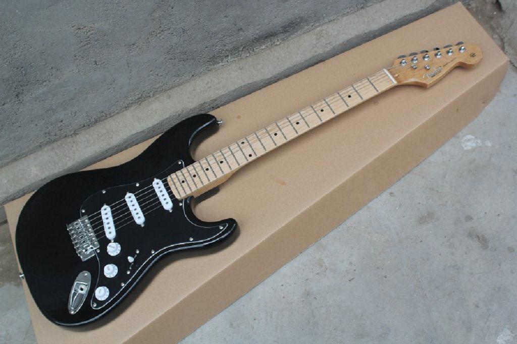 Vente en gros Top qualité Standard Stratocaster noire Guitare électrique avec le corps OHSC personnalisé