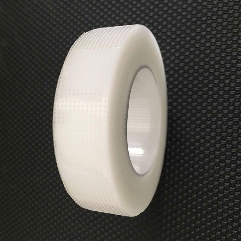 24 rollos de cinta de cinta 1,25 * 9m PE 3M pistas del ojo pestañas Maquillaje Herramientas de extensión de las pestañas del material del PE