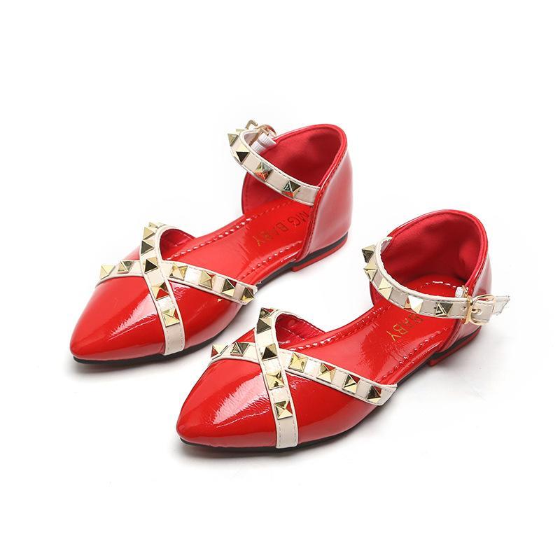 2020 été filles plat talon Sandales enfants Princesse Rivet Chaussures Enfants Petit Girl Fashion Party Roman Gladiator Chaussures cadeaux
