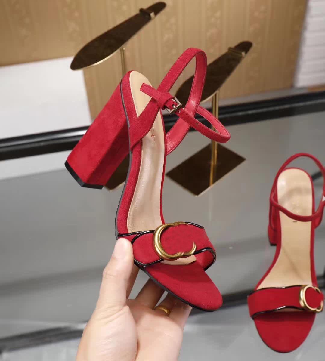 2020 nouveaux designers de femmes de vente à chaud haute sandales filles chaussures à talons en daim souple décontractée d'été automne chunky dame sexy pompes rouge dîner 42 40