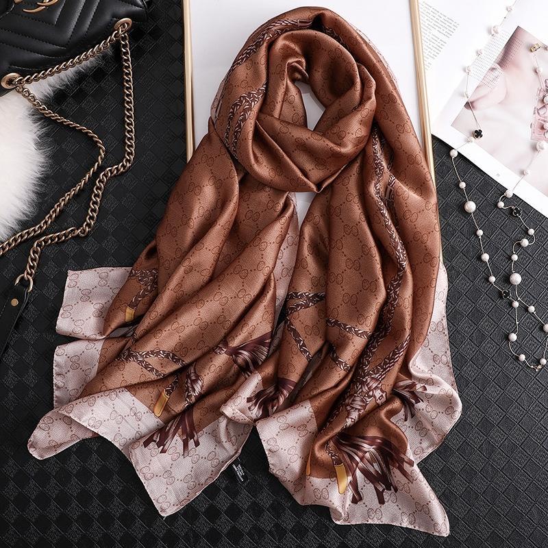 New Feminino mulher de luxo luxo Xailes Dener lenço de seda designer de Mulheres Tassel Mulheres e cachecóis Outono Silk Flower Lace Triângulo Pendant FksL