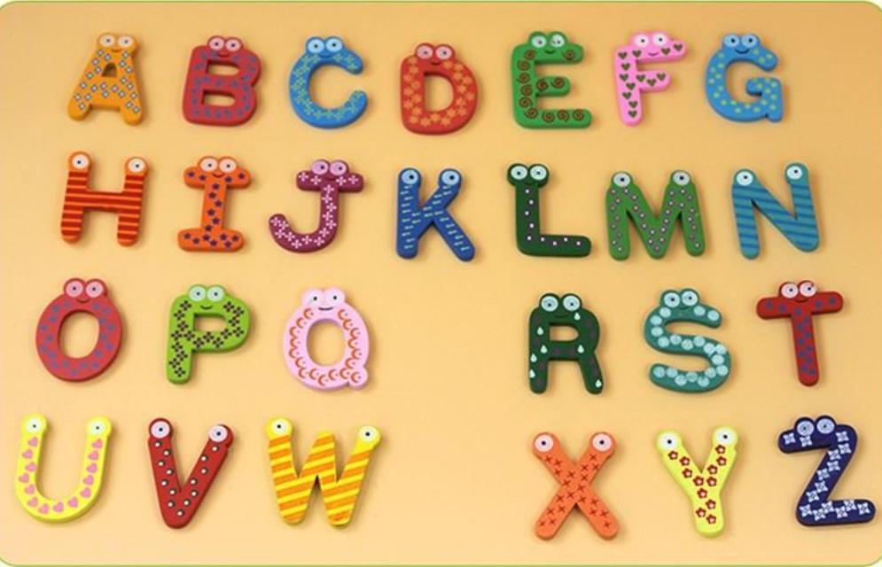 Ahşap karikatür 26 İngilizce harfler buzdolabı sopa erken eğitim ürünleri renkler sevimli abcd mektup buzdolabı dekor mıknatıs takım elbise