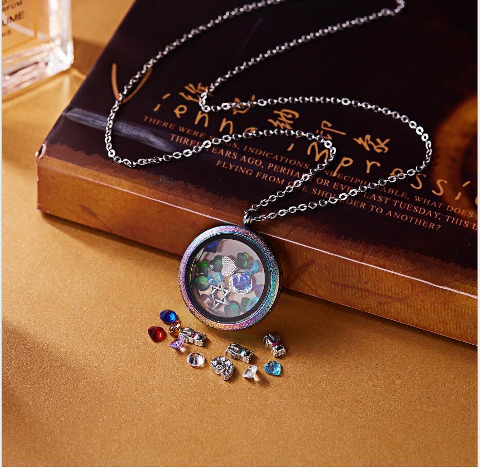 2021 Edelstahl Halskette Farbe Frosted Gold Diamantrahmenkasten Anhänger Großhandel Rahmen