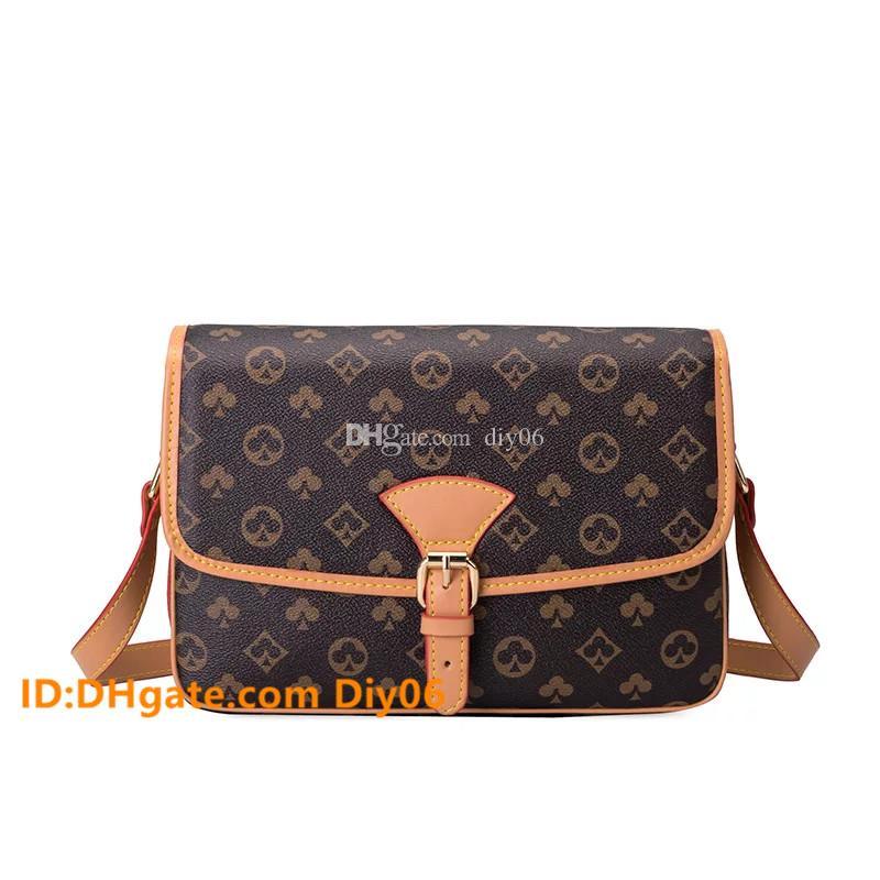 Alta Qualidade Moda Mulheres Luxurys Designers Sacos 2021 Bolsas De Couro Oxidante Sacos Crossbody Mulheres Bolsas Bolsas De Ombro Pruso Bolsa de Borla