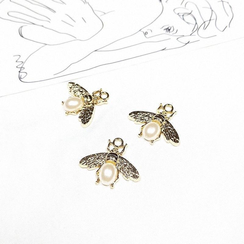 10PCS / Lot 24 * 27mm encantos nueva joyería de perlas de Lmitation abeja pendiente de la aleación pendiente del collar de accesorios de bricolaje QRh5 #