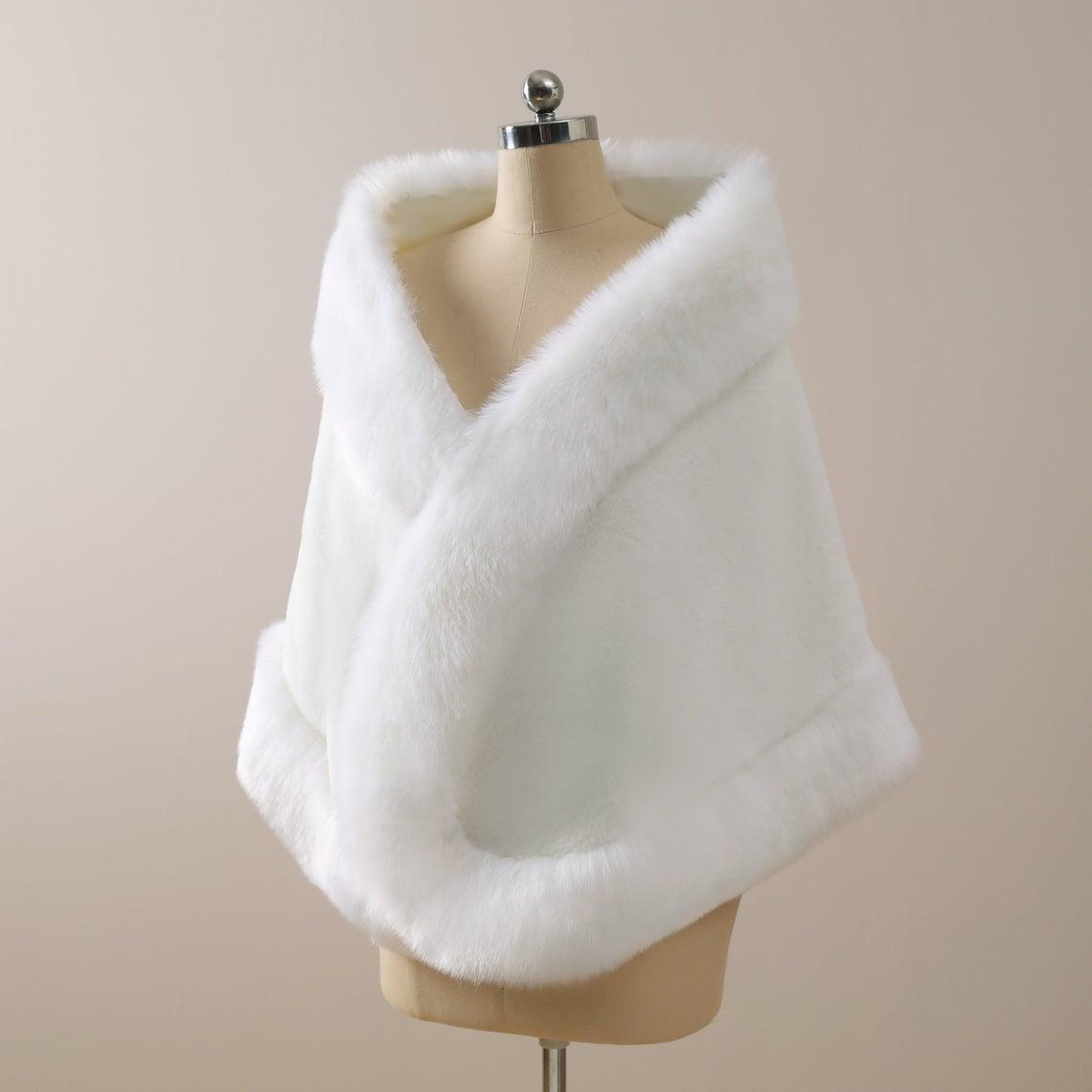 Hohe Qualität Winter Hochzeitsmantel Bridal Faux Pelz Wraps Warme Tücher Oberbekleidung Koreanische Stil Frauenjacke Prom Abendparty CPA3308