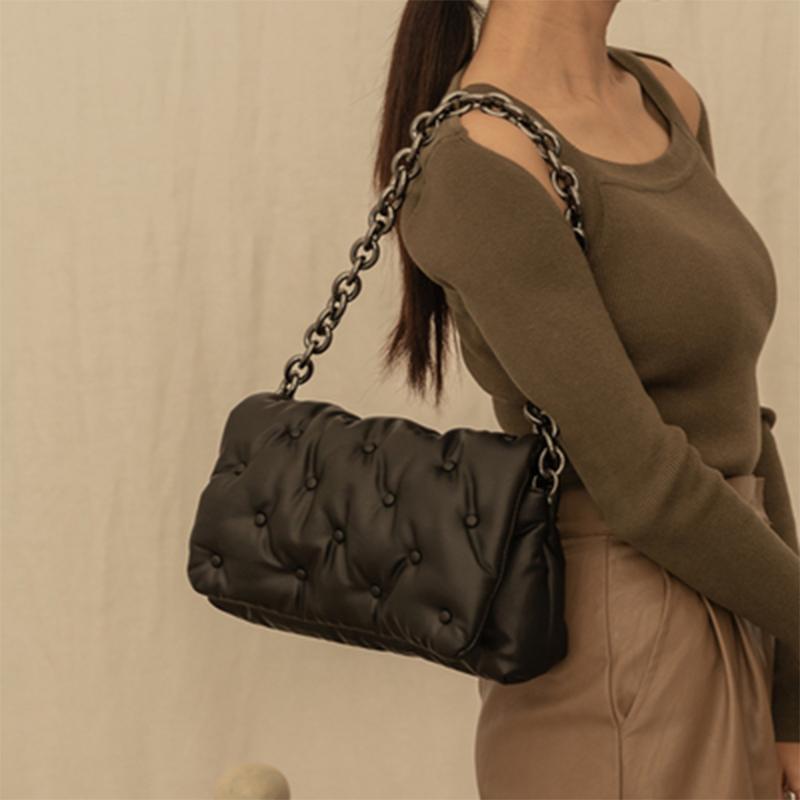 Neue Feste Farbe Dame Schulter Messenger Bag PU Leder Crossbody Taschen 2021 Designer Kette Crossbody Black Bag