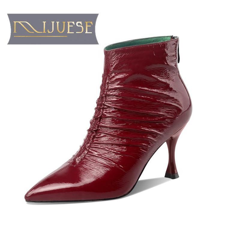 MLJUESE 2021 женщин Полусапоги микрофибры зима короткая плюшевая Остроконечные Toe Плиссированные Высокие каблуки женщина сапоги размер 39