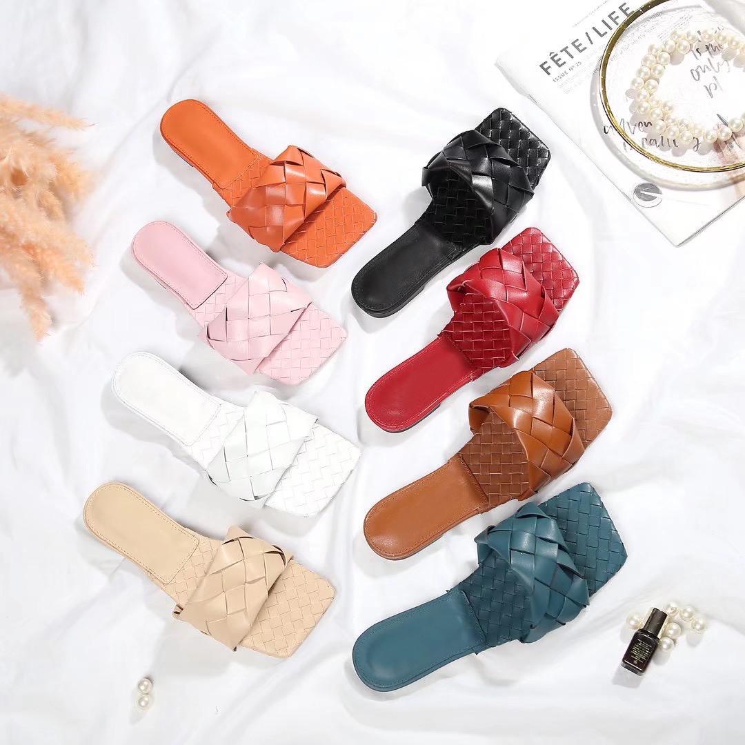 2021 Classico donna pantofole estate spiaggia cartone animato grande testa pantofole designer in pelle piatta scarpe donna scarpe da bagno da bagno Pantofole di alta qualità