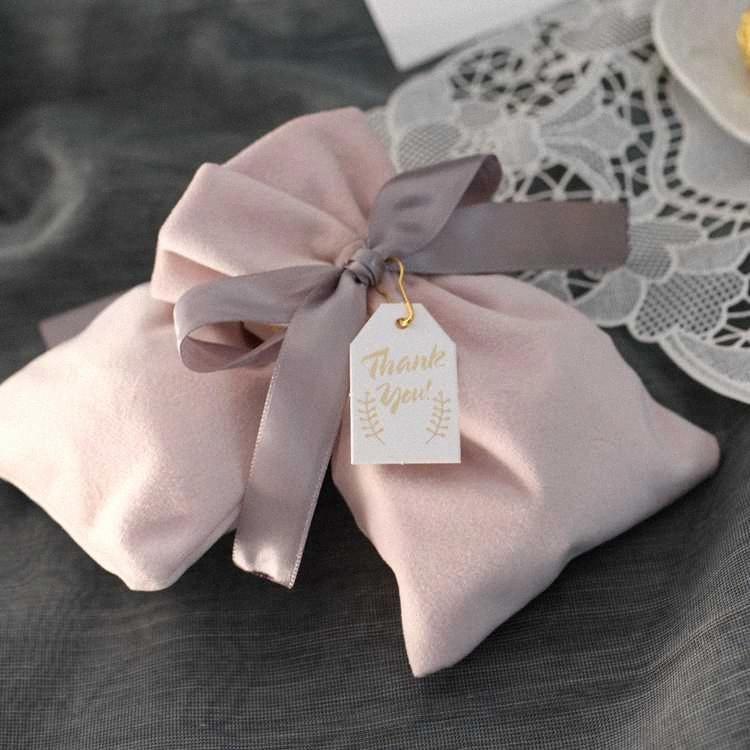 10pcs розовый / красный бархат мешки с лентами небольшого ювелирного мешочка мешка подарка рождества / свадьбы польза упаковки мешочками мешок благосклонность подарок GUoy #