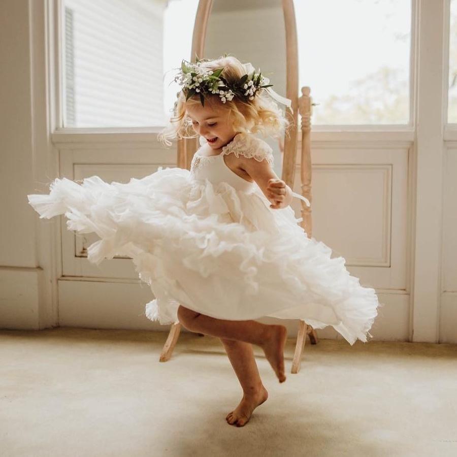 Lovely A Line Tiered Flower Girls Dresses For Weddings Beaded Tulle Toddler Pageant Gowns Floor Length Kids Prom Dress V72