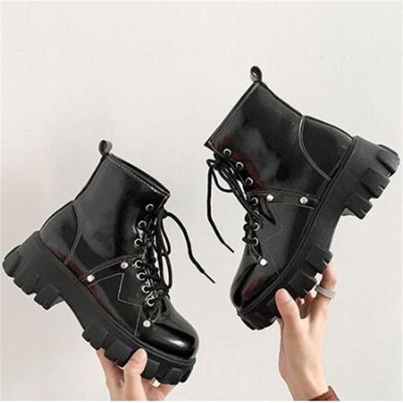 Sonbahar 2021 Yeni Deri Tıknaz Moda Kira Up Bayan Ayakkabıları Kalın Siyah Taban Botları G39L