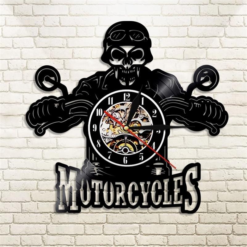 Horloge murale LED Horloge Moderne Design Motorcycles Vikers King Crâne Vinyl Enregistrement d'enregistrement Orologio da Parete Skull Moto Card Cadeau LJ201211
