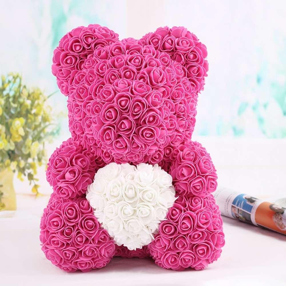 Simulación de día San Valentín creativo rosa oso abrazo bearl flor regalo