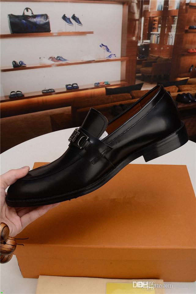 C5 Fashion Black / Red Designer Dressyer Dress Shoes Shoes di alta qualità Traspirante Slip-on Crocodile Pattern Genuine Pelle Oxford Shoes 33