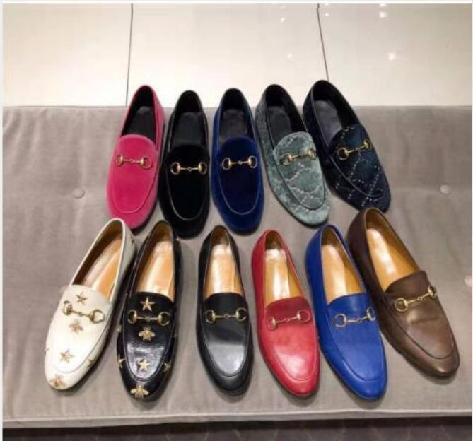 Kadınlar Düz Rahat Ayakkabılar 100% Otantik Inek Derisi Metal Toka Bayanlar Deri Ayakkabı Katırları Princetown Erkekler Trample Tembel Elbise Ayakkabı Boyutu 34-42-46