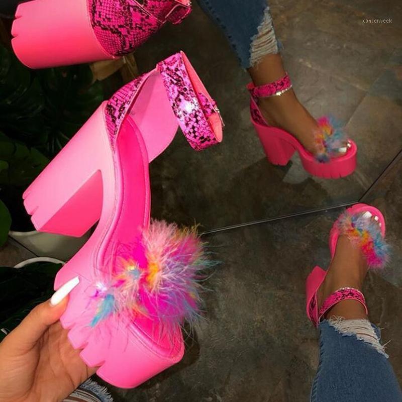 Printemps / été 2020 Nouveautés Femmes Fourrure Caoutchouc Haute Plate-forme Haute Plateforme Enforage de loisirs Pantoufles Beach Sandales Sandales de banquet Dames1