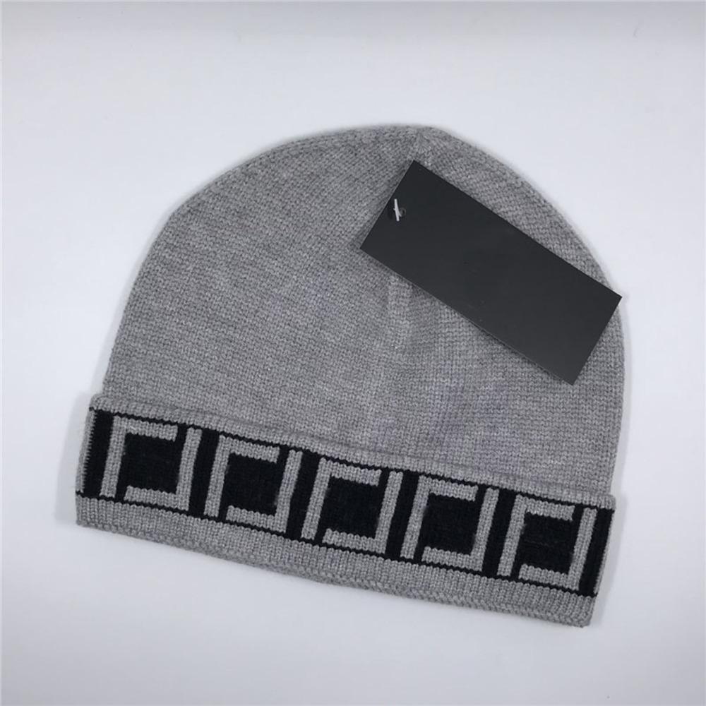 Herbst-Winter-warme Strickmützen Mode Brief Jacquard Männer Caps Persönlichkeit Vintage Style Beanie für Paare