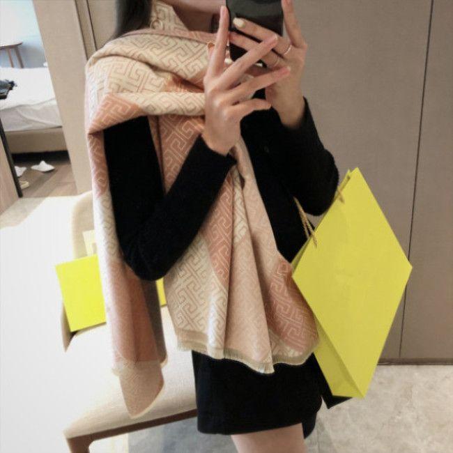 2020 Neue Modedesigner-Schal gedruckt kurzer Bart Luxus Kaschmir Design-Schal vollen Satzes von hochwertigem Box-Verpackung 180 * 65cm classic 03