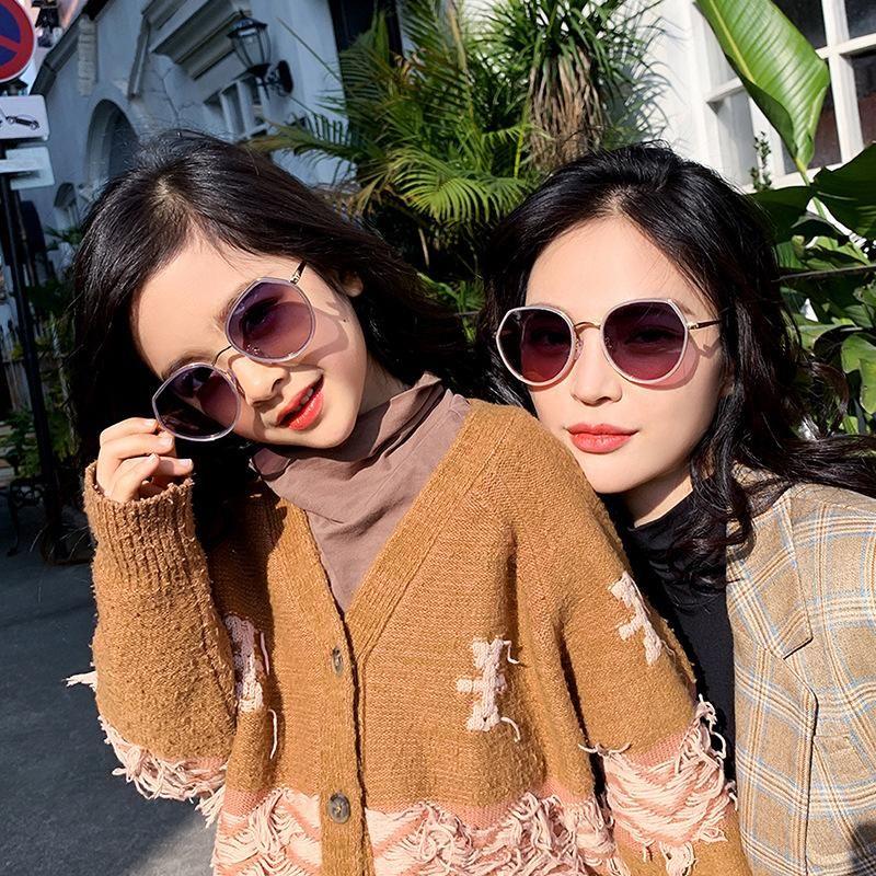 Gafas de sol polarizadas de sol Mujeres Veshion Conducción Brand Glasses Diseñador de lujo Elegante para decoración Pequeñas gafas femeninas BBBJS