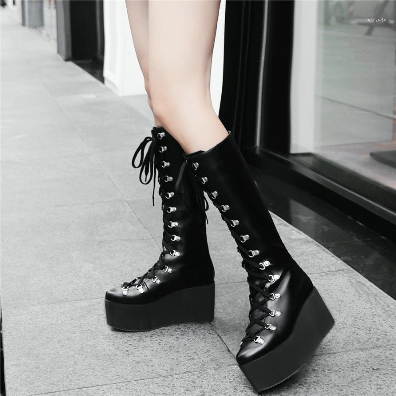 Stivali Coscia Sneakers di alta moda Delle Sneakers Donne Lace Up Cingette Stroscopiche Heas Heas Mid Calf Equitazione Femmina Tondo Punte di punta