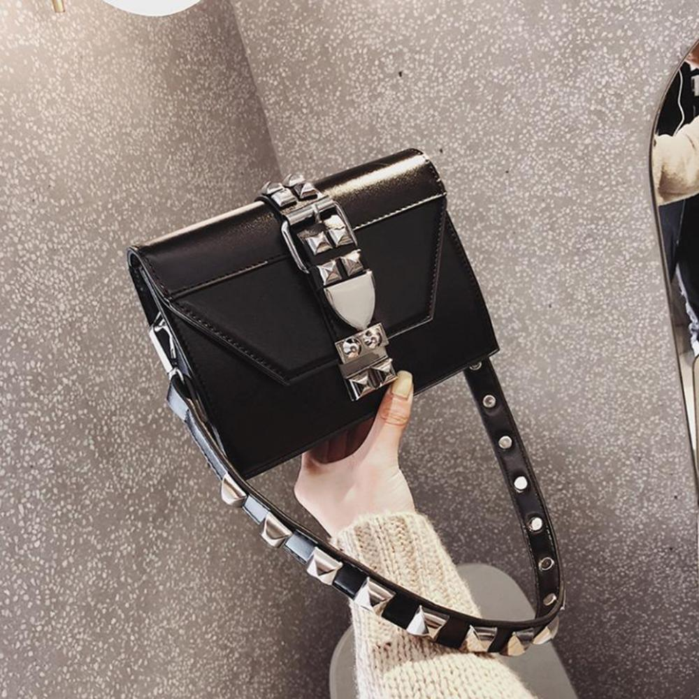 Цепь бренда женская новая PU 2020 девушка мода FEMININA CLECKIDED COLOR BUSTS кожаный заслонок сплошной украшения сумочка Bolsa Crossbody EQAS