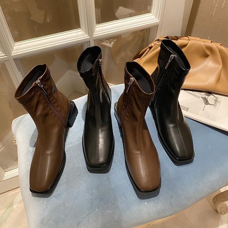 Sapatos femininos de marca botas-mulheres rodada dedo do pé de inverno moda 2020 rock borracha senhoras meados de bezerro de bezerro
