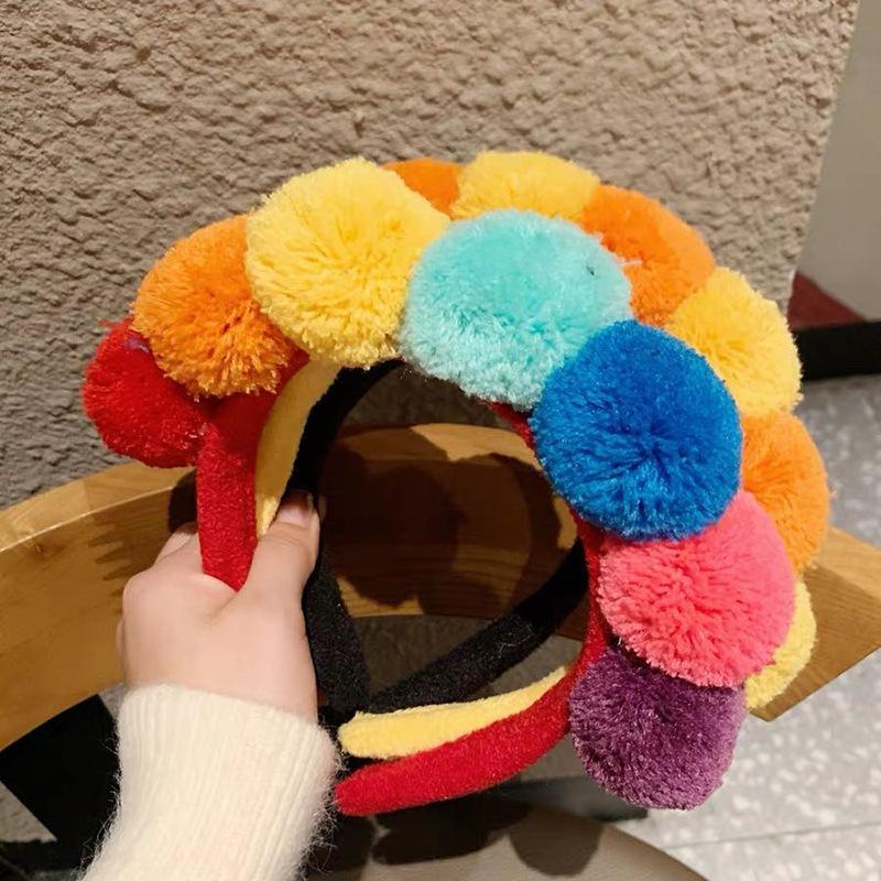 Linda diadema de lana bolas para bandas mujeres otoño invierno de las muchachas de pelo de lana de color bisel de moda Headwear de los accesorios del pelo