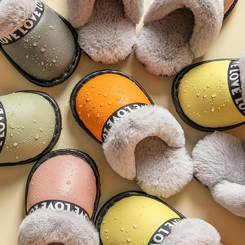 DEwVw Нового зимних родители дети хлопок домашних тапочек PU кожа водонепроницаемых и противоскользящие мальчики и девочки домой плюшевые тапочки для детей