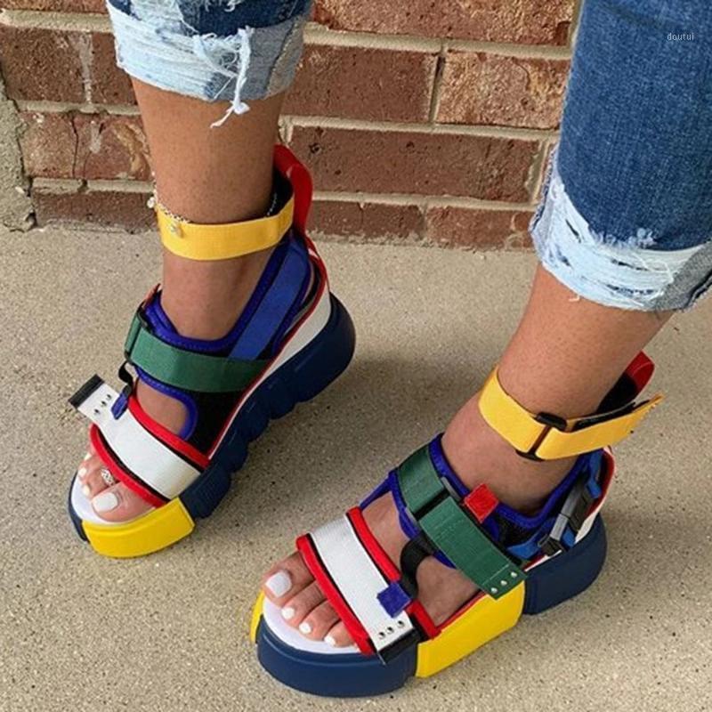 MrCAVE INS senhoras Lazer Sandálias Sandálias Snake Skin Flip Flop Verão 2020 Mulheres Sandálias Plataforma Chunky Heels1