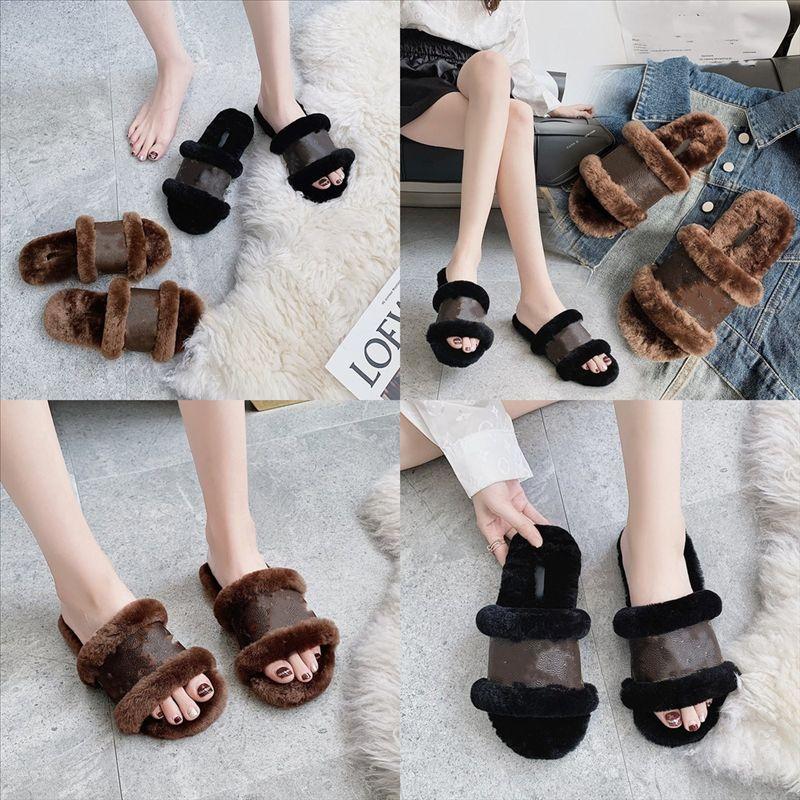 IH0SO Kadınlar Tasarımcı Kürklü Terlik Kabartmak Mektup Moda Terlik Yüksek Kaliteli Rahat Ayakkabı Çizmeleri Lüks Erkekler Moda Kürk Slaytlar Ile