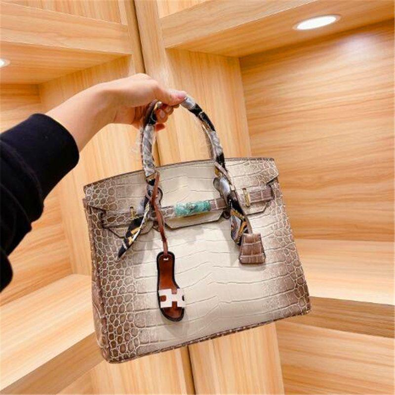 Cheap модные сумки прямые женщины конденсантная сумка 2021 идея школа вечер талии покупки функциональные официальные сумки багажем атлас