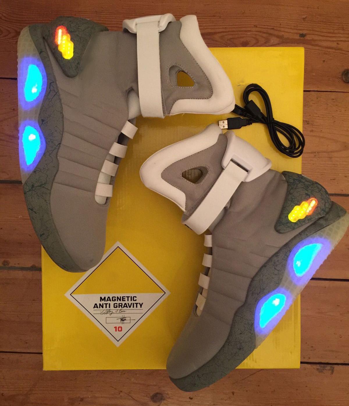 Nike Shoes LED automática Laces Air Mag Back To The Future brilham no escuro Grey Sneakers Marty McFly do iluminando Mags Preto Botas Vermelho Com Box