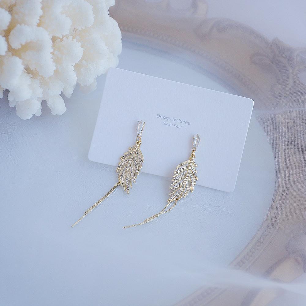 2020Exquisite Design Oro Hoja de Oro Tassel Stud Pendiente para las Mujeres 14k Real Oro Micro Pave Zircon Pendiente Bohemia Accesorios de Joyería