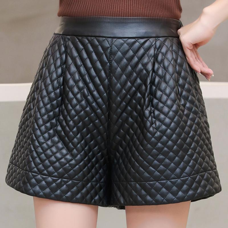 Plus Größe 5XL Womens Wide Bein PU Leder Shorts High Taille Sexy Weibliche Schwarz Leder Shorts 2020 Herbst Winter Biker Shorts Q0131